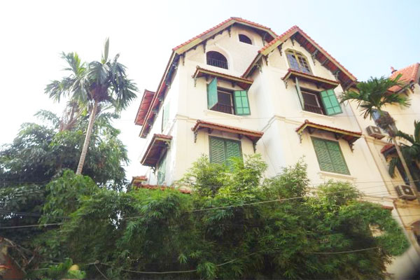 Large house in To Ngoc Van for rent, many bedrooms