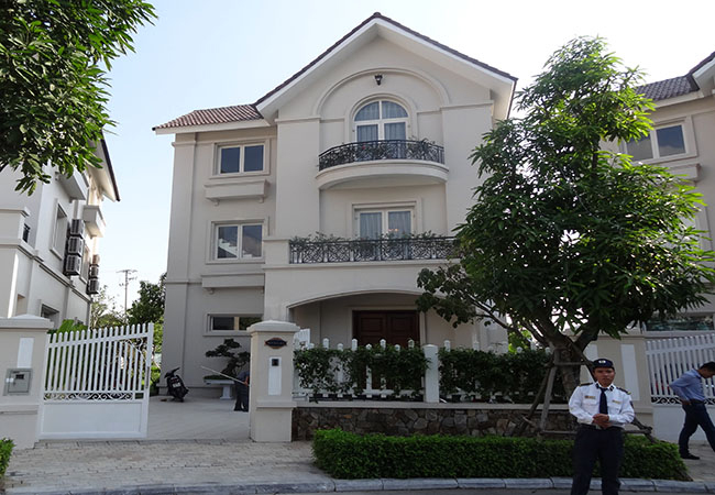 Spacious and tidy villa in royal style, Vincom village Long Bien