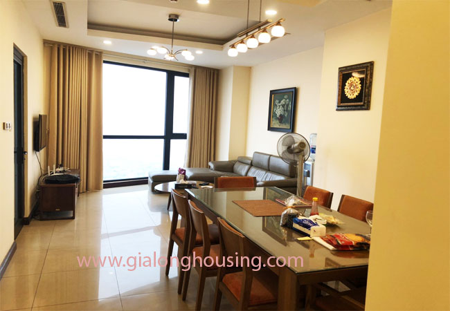 Modern fully furnished 03BRs apartment for rent at Royal City, good prices 1