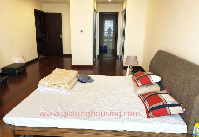 Modern fully furnished 03BRs apartment for rent at Royal City, good prices 10