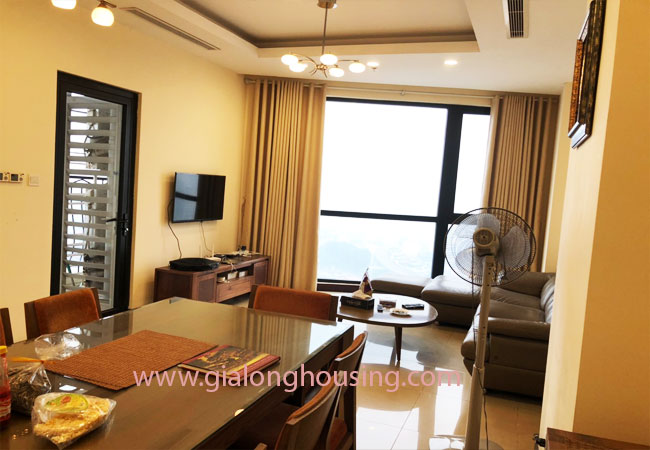 Modern fully furnished 03BRs apartment for rent at Royal City, good prices 2