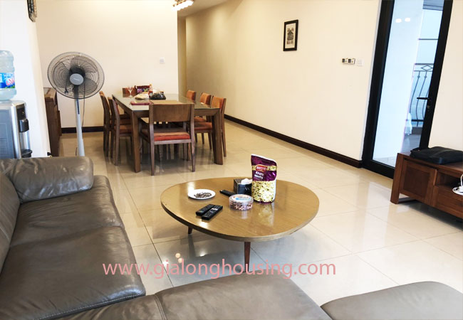 Modern fully furnished 03BRs apartment for rent at Royal City, good prices 3