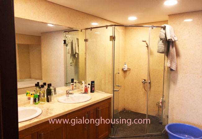 Modern fully furnished 03BRs apartment for rent at Royal City, good prices 6