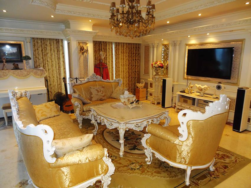 Duplex Apartment With Neoclassical Architecture Style In Golden Westlake