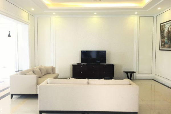 Fully furnished villa for rent in Hoa Sua road, Vinhomes Riverside