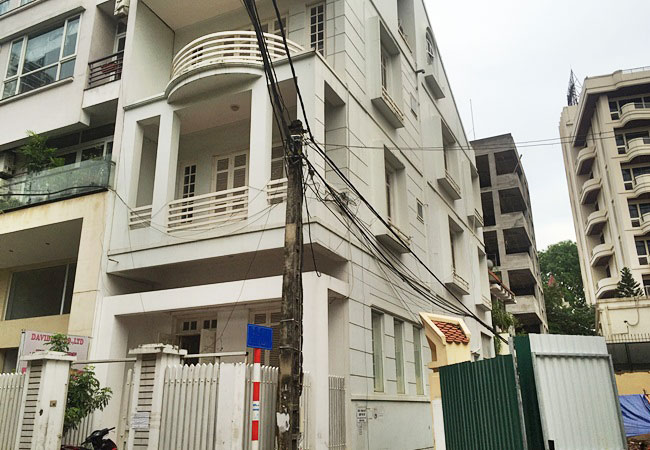 Unfurnished house for rent in Tay Ho